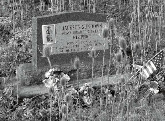 Jackson Sundown gravestone
