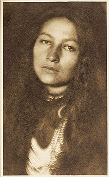 Red Bird as photographed by Joseph Keiley in 1901
