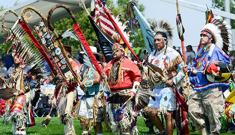 Grand Entry - Shakopee Mdewakanton Sioux